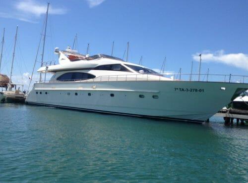 Large Power Yacht Azimut